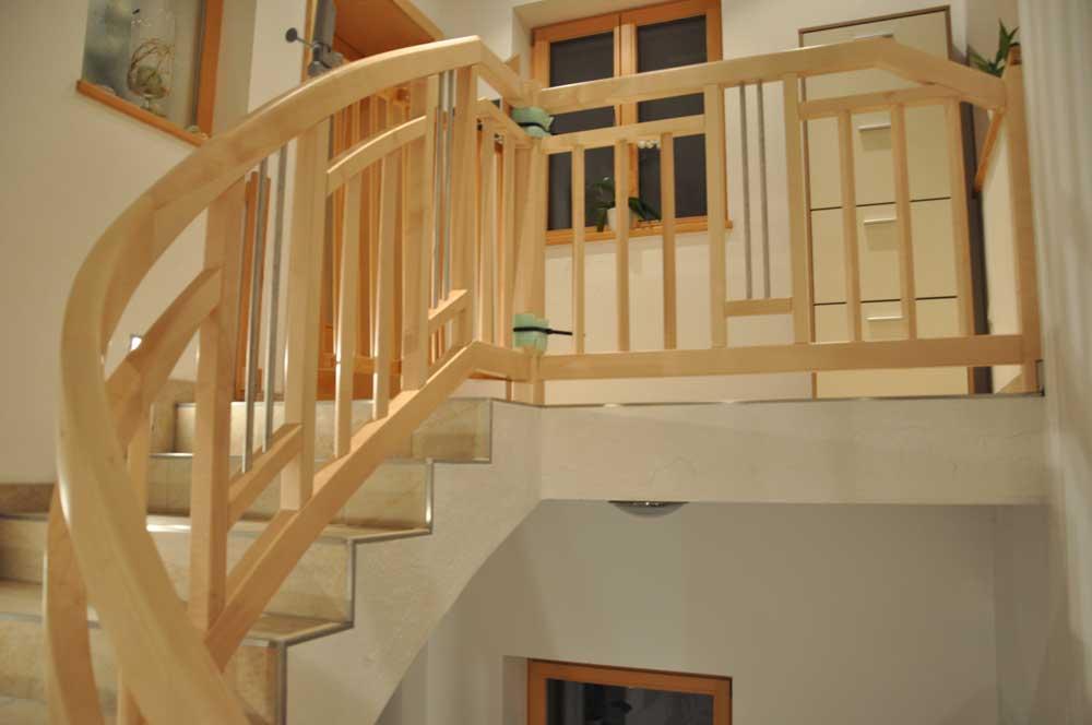 Tischlerei-Treppe-nach-Maß-3
