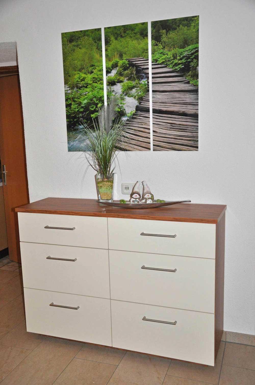 holz-vorzimmer-garderobe-vom-tischler-nach-maß-modern-planung-1