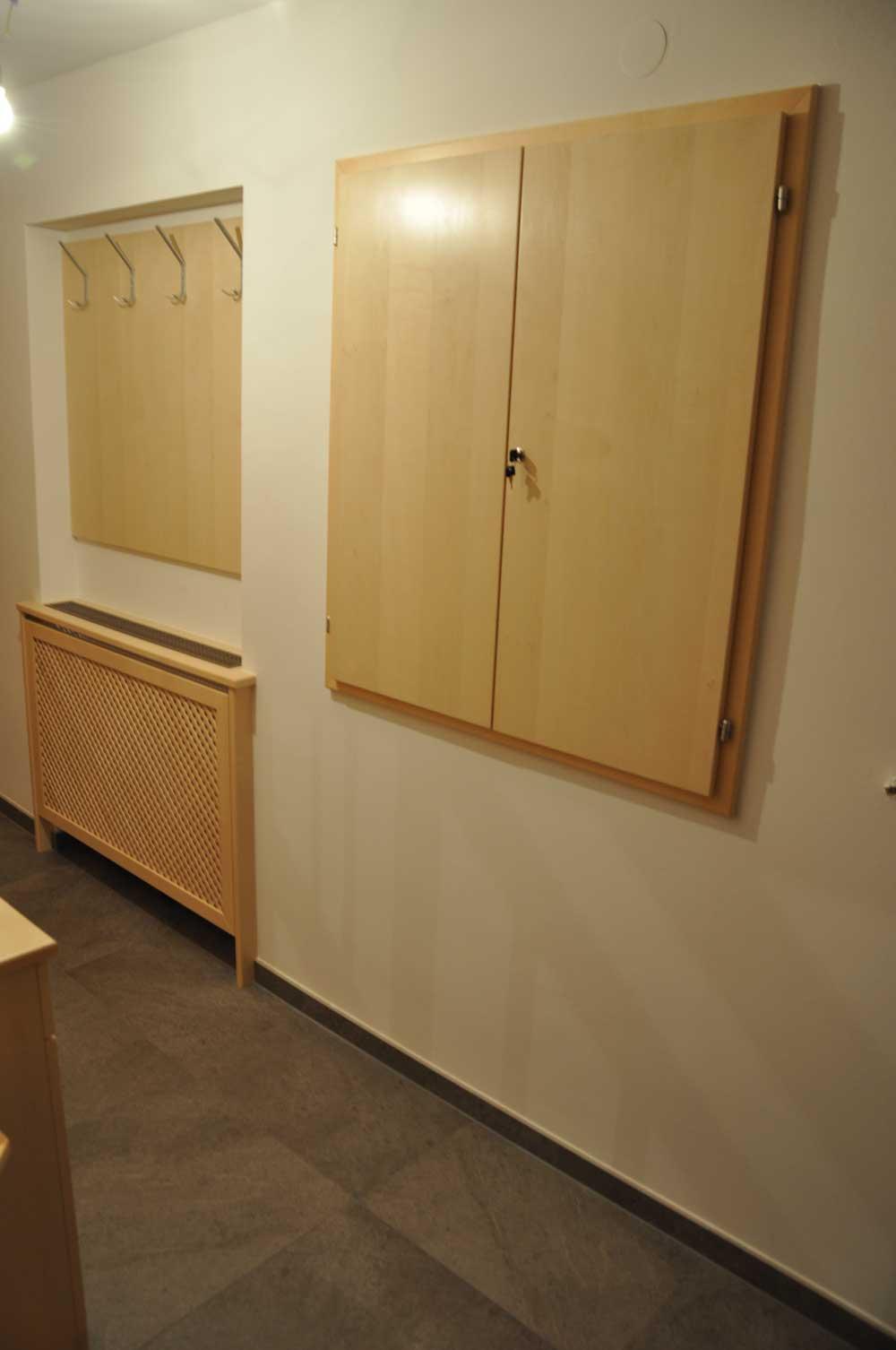 holz-vorzimmer-garderobe-vom-tischler-nach-maß-modern-planung-3