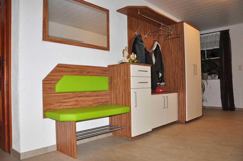 holz-vorzimmer-garderobe-vom-tischler-nach-maß-modern-planung